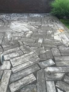 Steinbodensanierung im Garten